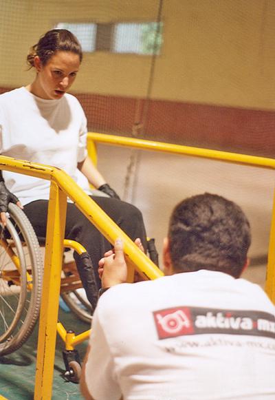 Capacitación y orientación en silla de ruedas